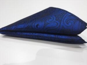 poszetka we wzory granatowa niebieska