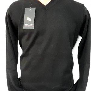 Sweter czarny klasyczny w serek