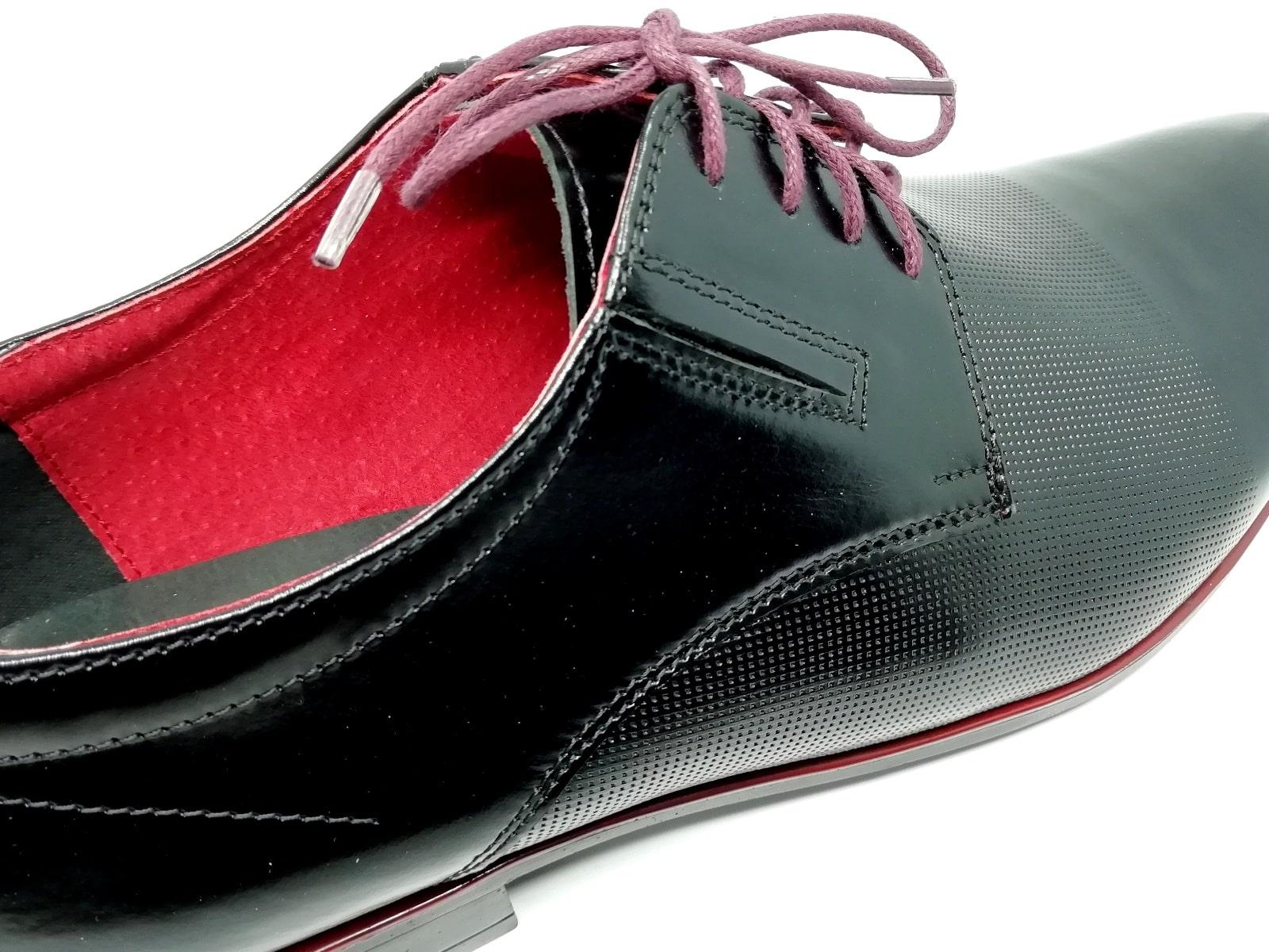 Buty wizytowe z czarno czerwona skóra