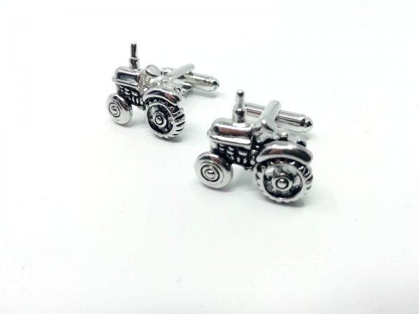 Dodatki Spinki do mankietów traktory