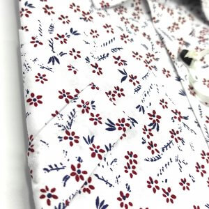 KOSZULE KRÓTKI RĘKAW Koszula Biała w Kwiatki Bordowe